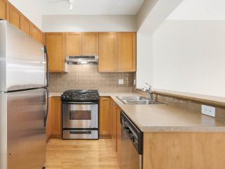 "Photo 11: 311 2280 WESBROOK Mall in Vancouver: University VW Condo for sale in ""KEATS HALL"" (Vancouver West)  : MLS®# R2193319"