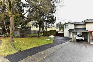 Photo 2: 6936 134 STREET in Surrey: West Newton House 1/2 Duplex for sale : MLS®# R2151866