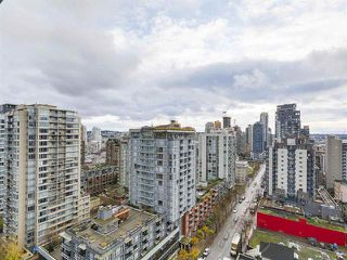 Photo 7: 2104 999 Seymour Mews in Vancouver: Condo for sale : MLS®# R2124433