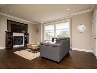 "Photo 3: 4 21267 83A Avenue in Langley: Willoughby Heights House for sale in ""Yorkson Crescent"" : MLS®# R2252264"