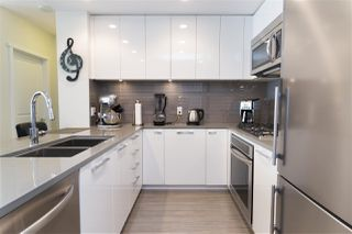 "Photo 4: 905 3102 WINDSOR Gate in Coquitlam: New Horizons Condo for sale in ""Celadon by Polygon"" : MLS®# R2255405"