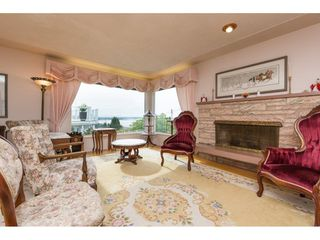 Photo 3: 15511 PACIFIC Avenue: White Rock House for sale (South Surrey White Rock)  : MLS®# R2257101