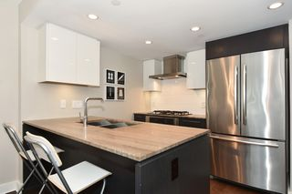 "Photo 13: 206 1618 QUEBEC Street in Vancouver: Mount Pleasant VE Condo for sale in ""CENTRAL"" (Vancouver East)  : MLS®# R2262451"