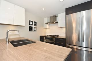 "Photo 14: 206 1618 QUEBEC Street in Vancouver: Mount Pleasant VE Condo for sale in ""CENTRAL"" (Vancouver East)  : MLS®# R2262451"