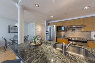 """Photo 7: TH103 1288 MARINASIDE Crescent in Vancouver: Yaletown Townhouse for sale in """"Crestmark"""" (Vancouver West)  : MLS®# R2281597"""