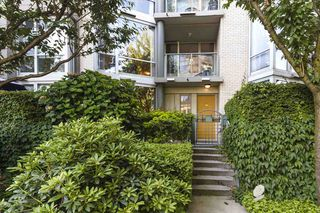 """Photo 18: TH103 1288 MARINASIDE Crescent in Vancouver: Yaletown Townhouse for sale in """"Crestmark"""" (Vancouver West)  : MLS®# R2281597"""