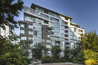 """Photo 19: TH103 1288 MARINASIDE Crescent in Vancouver: Yaletown Townhouse for sale in """"Crestmark"""" (Vancouver West)  : MLS®# R2281597"""
