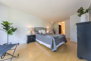 """Photo 10: TH103 1288 MARINASIDE Crescent in Vancouver: Yaletown Townhouse for sale in """"Crestmark"""" (Vancouver West)  : MLS®# R2281597"""