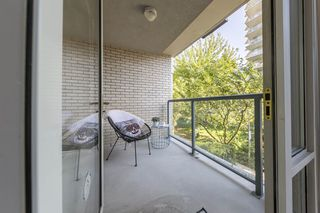 """Photo 14: TH103 1288 MARINASIDE Crescent in Vancouver: Yaletown Townhouse for sale in """"Crestmark"""" (Vancouver West)  : MLS®# R2281597"""