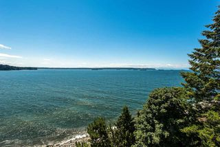 "Photo 4: 602 1972 BELLEVUE Avenue in West Vancouver: Ambleside Condo for sale in ""Waterford House"" : MLS®# R2290755"