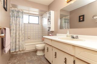 Photo 13: 10063 156A Street in Surrey: Guildford House for sale (North Surrey)  : MLS®# R2296020
