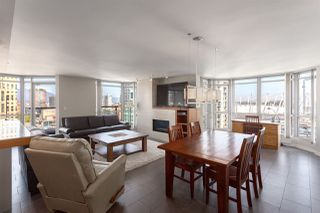 "Photo 7: 2201 867 HAMILTON Street in Vancouver: Downtown VW Condo for sale in ""JARDINE'S LOOKOUT"" (Vancouver West)  : MLS®# R2297178"