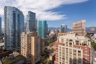 "Photo 19: 2201 867 HAMILTON Street in Vancouver: Downtown VW Condo for sale in ""JARDINE'S LOOKOUT"" (Vancouver West)  : MLS®# R2297178"