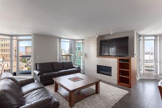 "Photo 5: 2201 867 HAMILTON Street in Vancouver: Downtown VW Condo for sale in ""JARDINE'S LOOKOUT"" (Vancouver West)  : MLS®# R2297178"