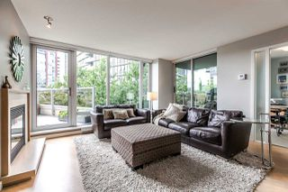 Photo 1: 305 8 SMITHE Mews in Vancouver: Yaletown Condo for sale (Vancouver West)  : MLS®# R2307500