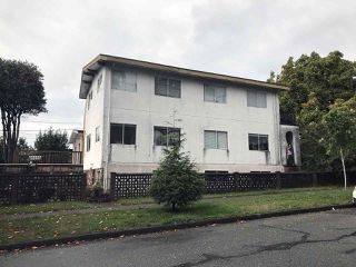 Photo 2: 2072 KITCHENER Street in Vancouver: Grandview VE House Triplex for sale (Vancouver East)  : MLS®# R2308553