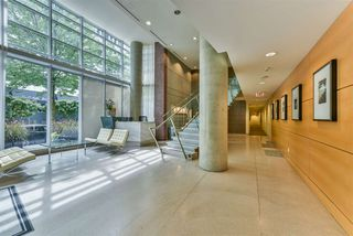 "Photo 18: 1903 1205 HASTINGS Street in Vancouver: Coal Harbour Condo for sale in ""CIELO"" (Vancouver West)  : MLS®# R2310461"