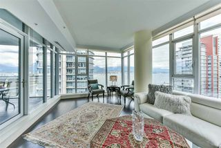"Photo 2: 1903 1205 HASTINGS Street in Vancouver: Coal Harbour Condo for sale in ""CIELO"" (Vancouver West)  : MLS®# R2310461"