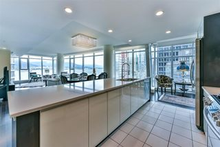 "Photo 9: 1903 1205 HASTINGS Street in Vancouver: Coal Harbour Condo for sale in ""CIELO"" (Vancouver West)  : MLS®# R2310461"
