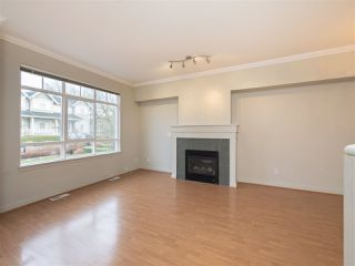 "Photo 7: 3280 CLERMONT Mews in Vancouver: Champlain Heights Townhouse for sale in ""Bordeaux"" (Vancouver East)  : MLS®# R2339931"