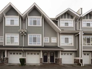 "Photo 2: 3280 CLERMONT Mews in Vancouver: Champlain Heights Townhouse for sale in ""Bordeaux"" (Vancouver East)  : MLS®# R2339931"