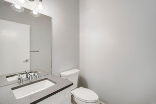 Photo 3: 2212 KELLY Crescent in Edmonton: Zone 56 House for sale : MLS®# E4144164