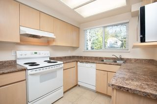 "Photo 4: 103 3180 E 58TH Avenue in Vancouver: Champlain Heights Townhouse for sale in ""HIGHGATE"" (Vancouver East)  : MLS®# R2345170"