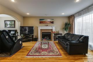 Photo 5: 734 GREAVES Crescent in Saskatoon: Willowgrove Residential for sale : MLS®# SK763931