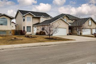 Photo 2: 734 GREAVES Crescent in Saskatoon: Willowgrove Residential for sale : MLS®# SK763931