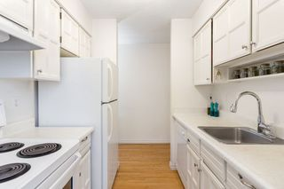 "Photo 13: 109 2450 CORNWALL Avenue in Vancouver: Kitsilano Condo for sale in ""The Ocean's Door"" (Vancouver West)  : MLS®# R2367921"