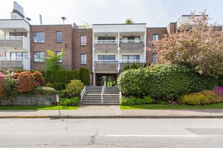 "Photo 17: 109 2450 CORNWALL Avenue in Vancouver: Kitsilano Condo for sale in ""The Ocean's Door"" (Vancouver West)  : MLS®# R2367921"