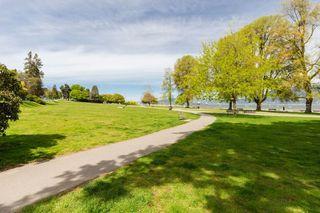 "Photo 18: 109 2450 CORNWALL Avenue in Vancouver: Kitsilano Condo for sale in ""The Ocean's Door"" (Vancouver West)  : MLS®# R2367921"