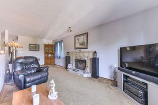 """Photo 3: 1119 HANSARD Crescent in Coquitlam: Ranch Park House for sale in """"RANCH PARK"""" : MLS®# R2368526"""