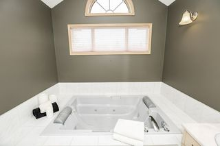 Photo 21: 451 REEVES Crest in Edmonton: Zone 14 House for sale : MLS®# E4163677