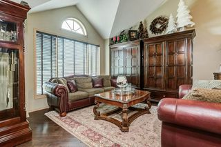Photo 3: 451 REEVES Crest in Edmonton: Zone 14 House for sale : MLS®# E4163677