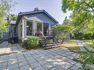 Photo 1: 1576 W 16TH Avenue in Vancouver: Shaughnessy House for sale (Vancouver West)  : MLS®# R2385449