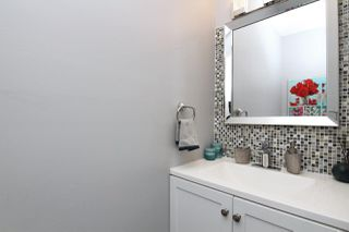 """Photo 10: 1 2990 MARINER Way in Coquitlam: Ranch Park Townhouse for sale in """"MARINER MEWS"""" : MLS®# R2389174"""