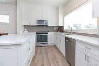 Photo 18: 363 Kestrel Street in : Co Royal Bay Single Family Detached for sale (Colwood)  : MLS®# 425810