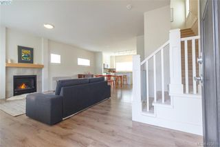 Photo 6: 363 Kestrel Street in : Co Royal Bay Single Family Detached for sale (Colwood)  : MLS®# 425810