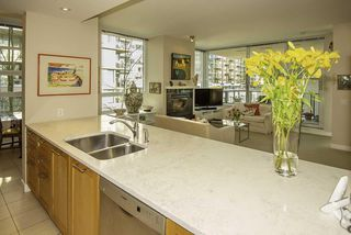 """Photo 7: 407 3382 WESBROOK Mall in Vancouver: University VW Condo for sale in """"TAPESTRY AT WESBROOK MALL"""" (Vancouver West)  : MLS®# R2455346"""