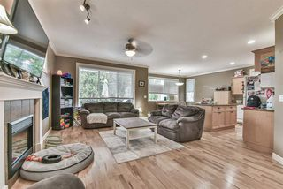 Photo 3: 45498 WELLINGTON Avenue in Chilliwack: Chilliwack W Young-Well House for sale : MLS®# R2502815