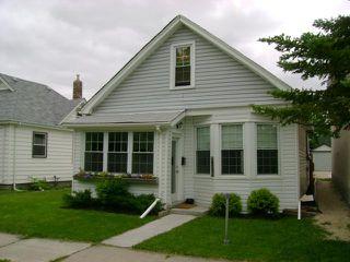 Photo 1: 281 Brooklyn Street in WINNIPEG: St James Residential for sale (West Winnipeg)  : MLS®# 1112514