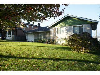 Photo 12: 3845 REGENT Street in Burnaby: Central BN House for sale (Burnaby North)  : MLS®# V1033173