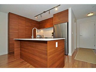 "Photo 5: 310 1679 LLOYD Avenue in North Vancouver: Pemberton NV Condo for sale in ""DISTRICT CROSSING"" : MLS®# V1041966"