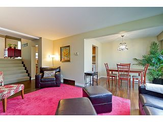 "Photo 2: 1072 LILLOOET Road in North Vancouver: Lynnmour Townhouse for sale in ""LILLOOET PLACE"" : MLS®# V1048162"