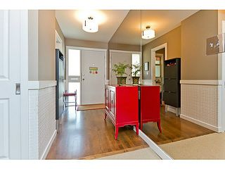 "Photo 3: 1072 LILLOOET Road in North Vancouver: Lynnmour Townhouse for sale in ""LILLOOET PLACE"" : MLS®# V1048162"