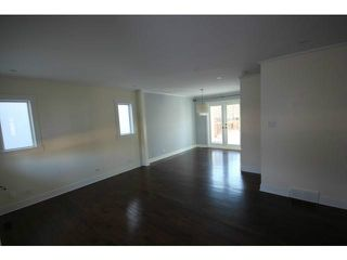Photo 9: 715 14A Street SE in CALGARY: Inglewood Residential Detached Single Family for sale (Calgary)  : MLS®# C3621756
