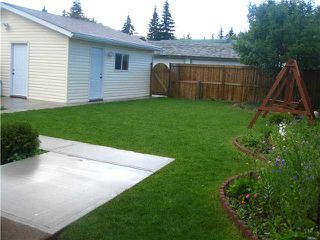 Photo 18: 6332 RUNDLEHORN Drive NE in Calgary: Pineridge Residential Detached Single Family for sale : MLS®# C3643926