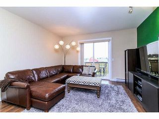 Photo 2: 33 7348 192A Street in Surrey: Clayton Townhouse for sale (Cloverdale)  : MLS®# F1430504