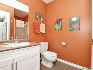 Photo 11: 1646 Myrtle Ave in VICTORIA: Vi Oaklands Row/Townhouse for sale (Victoria)  : MLS®# 701228